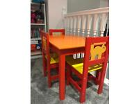 Todler desk with 3 chairs