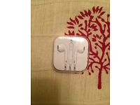 Apple EarPods with 3.5mm Headphones BNIB - Sealed - Handsfree inline Mic - £20 ONO