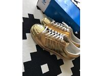 Adidas Superstar 80s gold metalic limited edition Size 4