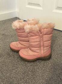 Next Girls infant snow boots size 9 fur lining