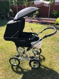 Silver cross sleep over pram, car seat and isofix base