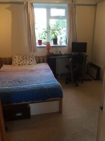 LARGE DOUBLE ROOM IN STUNNING LOCATION