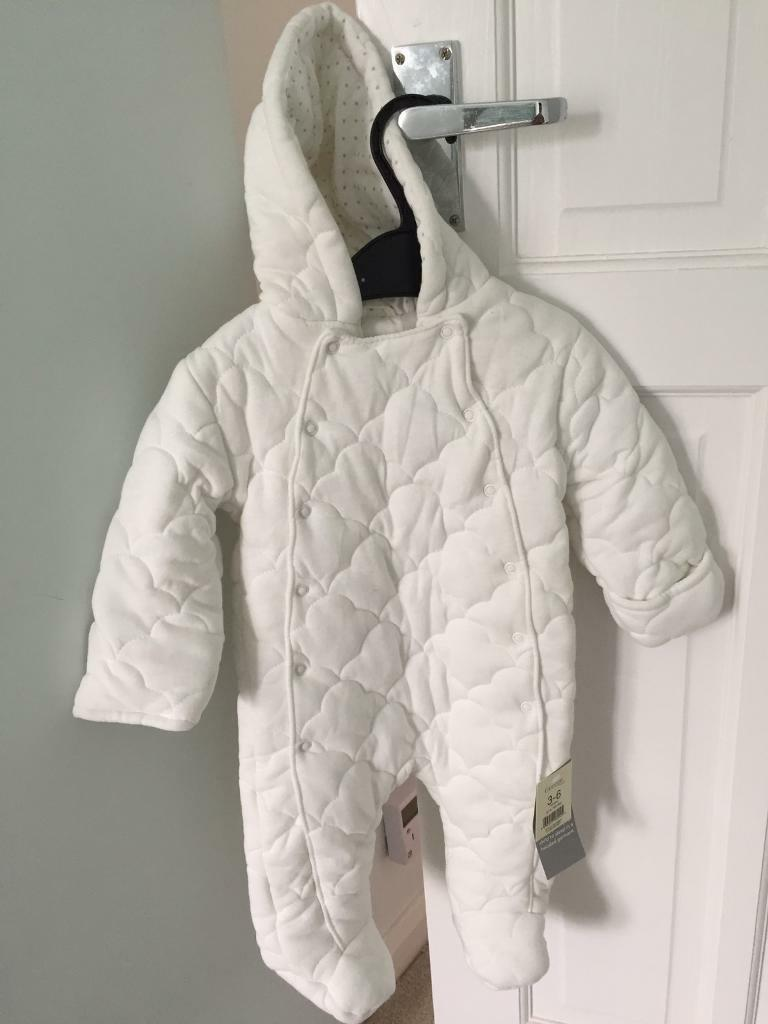 b2a81fdb8085 Baby Snow Suit 3-6 month unused with tags