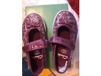 Clarks girls shoes size 5 1/2 F