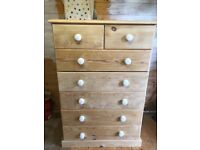 Pine chest of drawers with ceramic handles