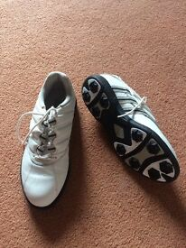 Ladies Adidas Golf Shoes Size 3 1/2.