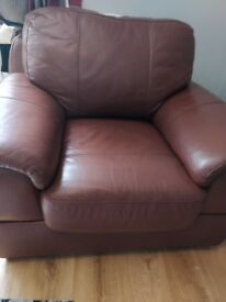 Real leather sofa 3,2,1 great condition reduced for quick sale