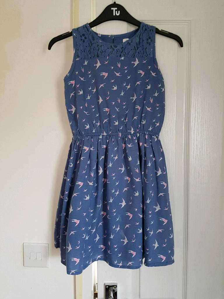 Girls dress. Size 140 cm
