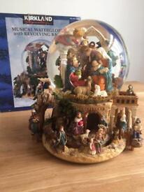Musical water globe