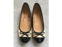 Black & Cream quilted pumps - size 5 - excellent condition
