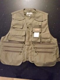 New Shakespeare Pro Cam-Fis Medium Fishing Vest Angling Vest Jacket