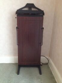Gents Corby 4400 trouser press for spares or repair.