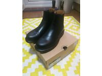 Dr Martens Chelsea Boots UK 8 NEW UNWORN