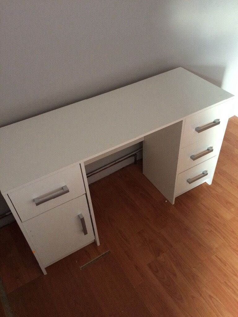Brilliant PIECE CORNER OFFICE DESK FOR SALE  George  Gumtree South Africa