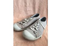 Clark's size 10 casual shoes