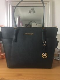 Gorgeous Michael Kors Bag - genuine new without tags