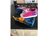 Girls pink heeleys brand new never worn size 12 with bo