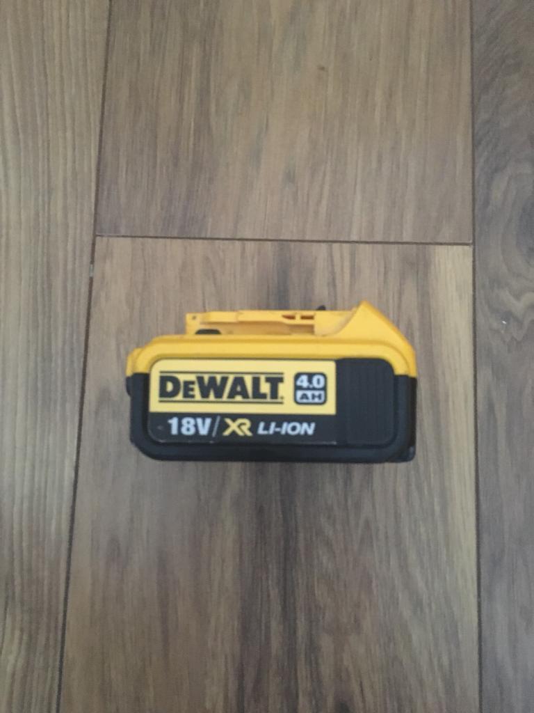 Dewalt 4ah battery used good condition