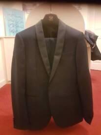 3 piece navy suit
