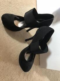Black Ladies Heels - UK Size 5
