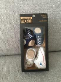 Converse baby 0-6 months trainee socks navy and white pair