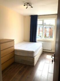 💕 LARGE SINGLE ROOM AVAILABLE 🏡 LANSDOWNE ROAD 🚉6MINS BY WALK TO BRUCE GROVE