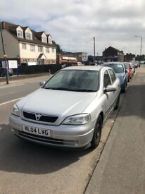 Vauxhall Astra 1.6L Automatic - Perfect first car-MOT cleared - 4 doors - Bluetooth, Air Con/Heating
