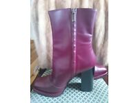 Fabulous Italian Leather Ankle Boots Size 40