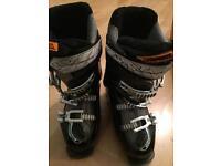 Salmon ski boots size 23.5