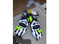 Richa gloves