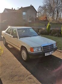 Mercedes-Benz 190. Manual 5 spd, CLASSIC CAR in a CLASSIC CREAM COLOUR,low low low miles 48000