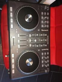 DJ deck (Numark)