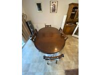 Extending Walnut Dining Table & 6 chairs