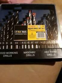 15 piece mixed drill bit set in case