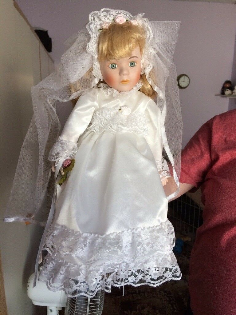 Heritage Mint Porcelain Doll Collection