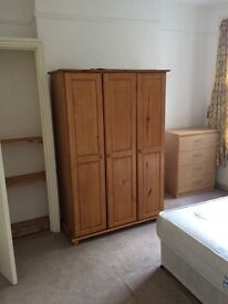 Nice Spacious and bright Double Room to share. All Bills Inclusive
