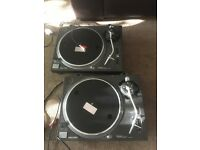 Technics 1210 mk2 2 pair