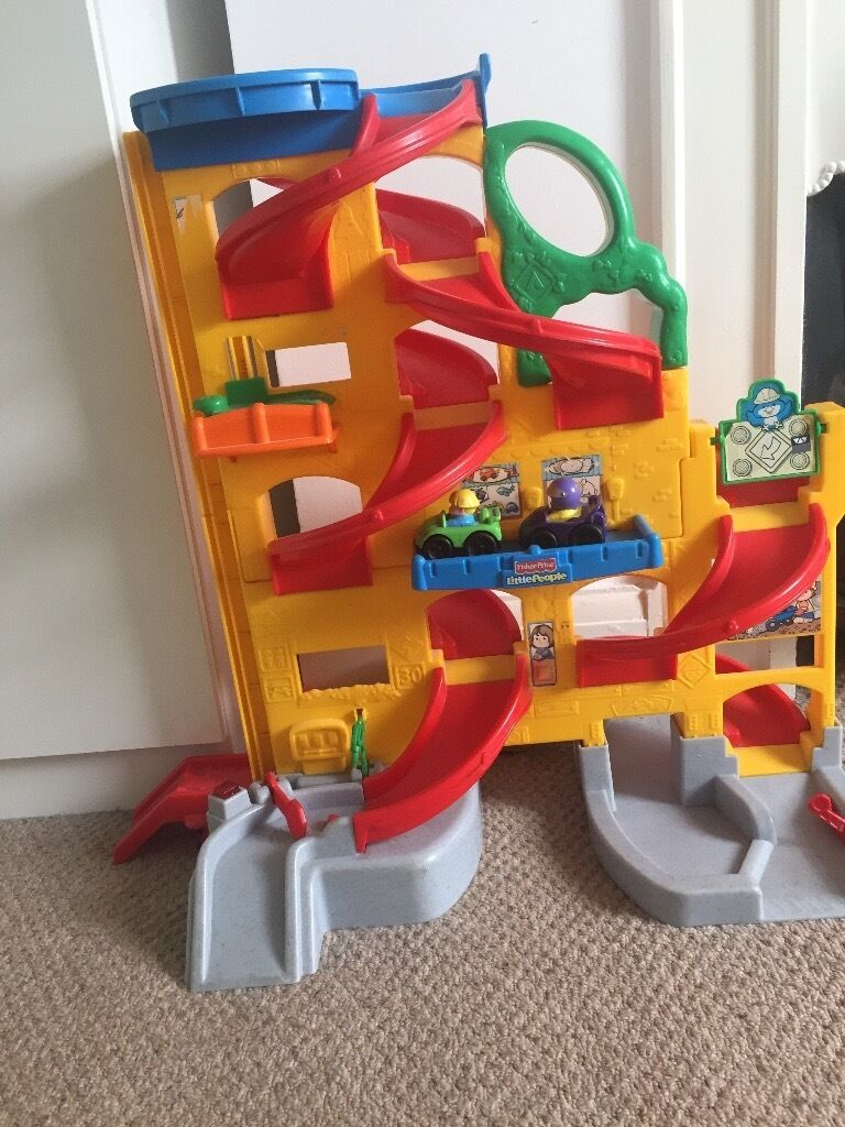 Fisher Price Garagein Grays, EssexGumtree - Hi! I have for sale fisher price little people garage with 2 cars included in very good condition. Collection from Grays RM17