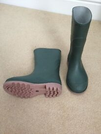 Wellington Boots £3 - Size UK13 / EU32