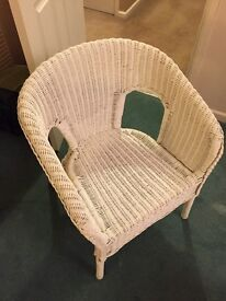 White whicker chair
