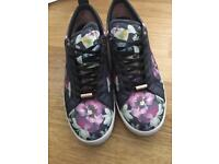 Ted Baker Trainers 7/40