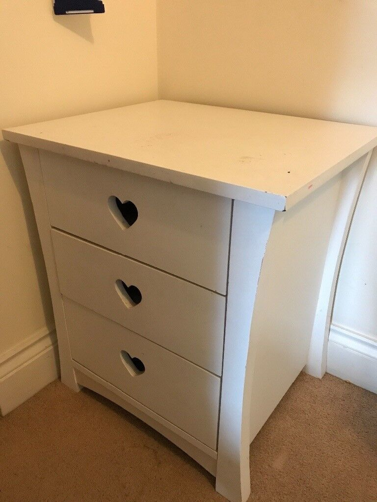White bedroom small chest of drawers (ideal for shabby chic project)