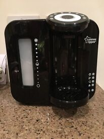 Tommee Tippee Perfect Prep Machine with filter & 6 hardly used TT bottles