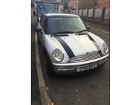 Mini Cooper 1.6 with panoramic roof
