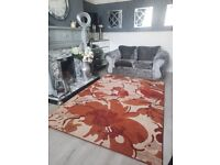 Extra large rug excellent condition