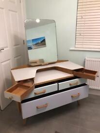 G-Plan G Plan dressing table / drawers & mirror