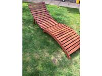 Wooden garden recliner