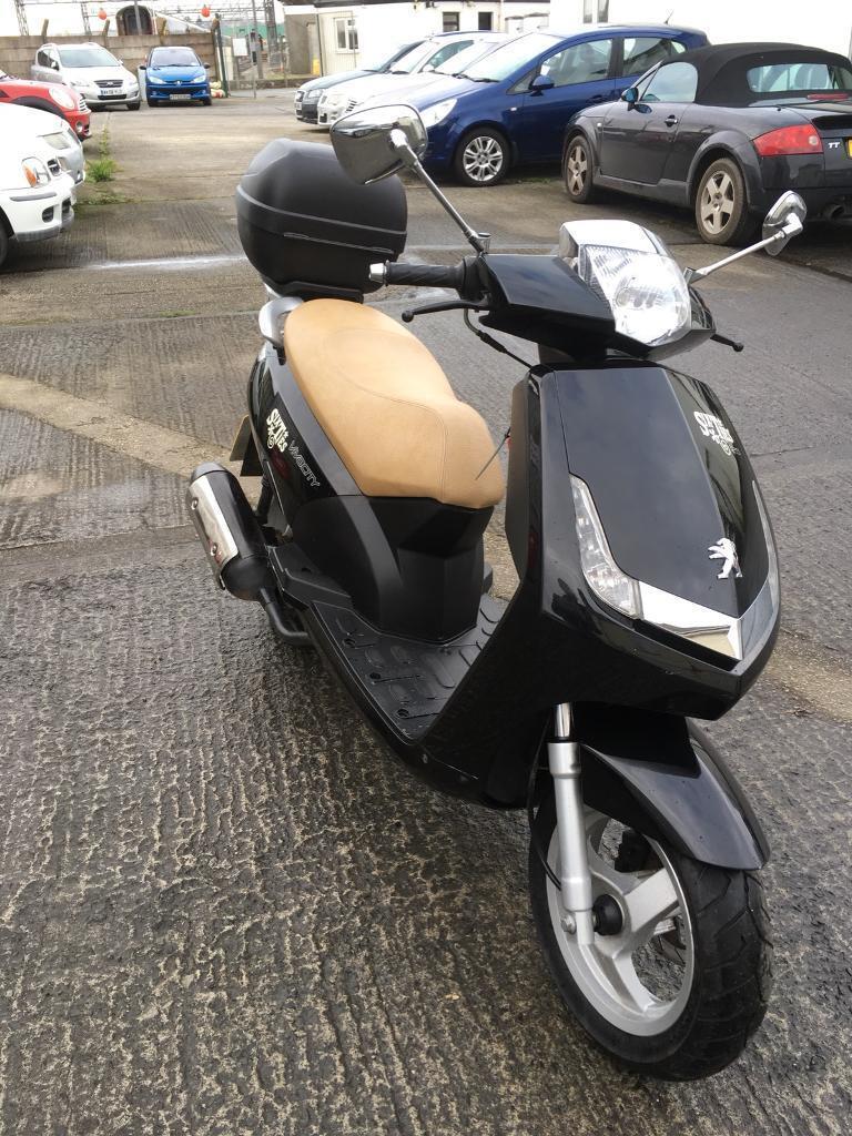 2011 Peugeot Vivacity 125cc scooter