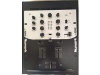 Numark DM1050 - 2 Channel DJ Mixer
