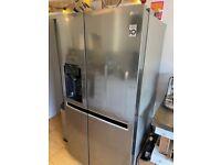 LG American Fridge/Freezer, Ice machine (no plumbing required)